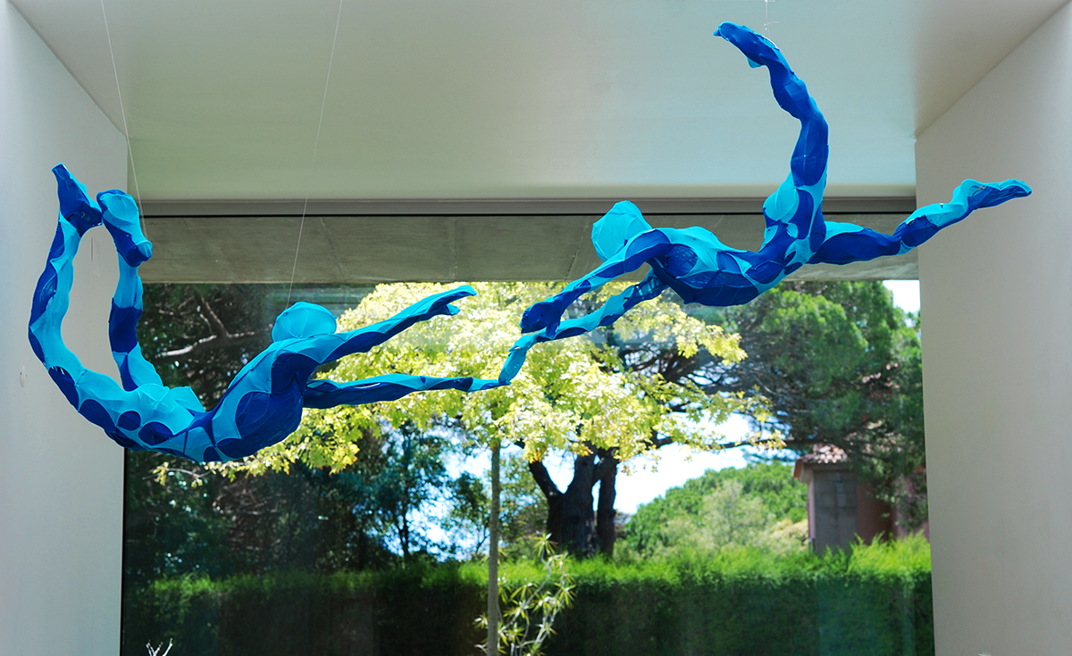 Laura Vicente Blue Flying Sculptures