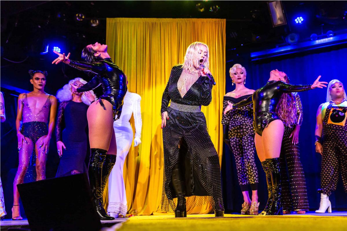 Christina Aguilera singing at Sasha Velour