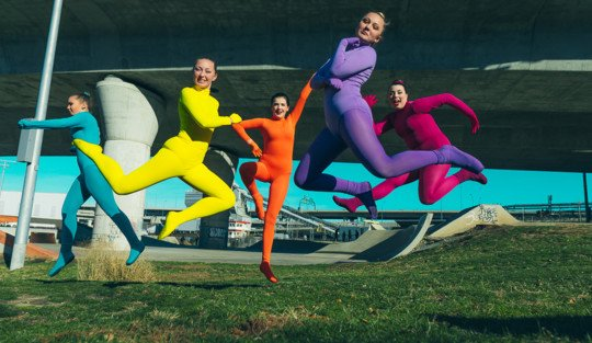 rainbow-dancers-jumping