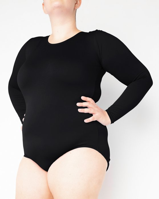 5002 W Black Scoop Neck Leotard